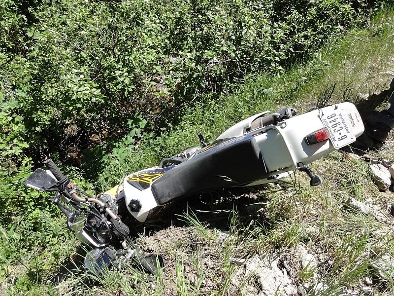 Suzuki DR 350 crash